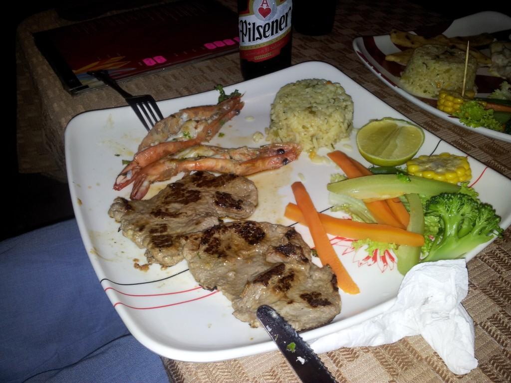 Esimene õhtusöök El Tunco-s (El Salvadoris)!