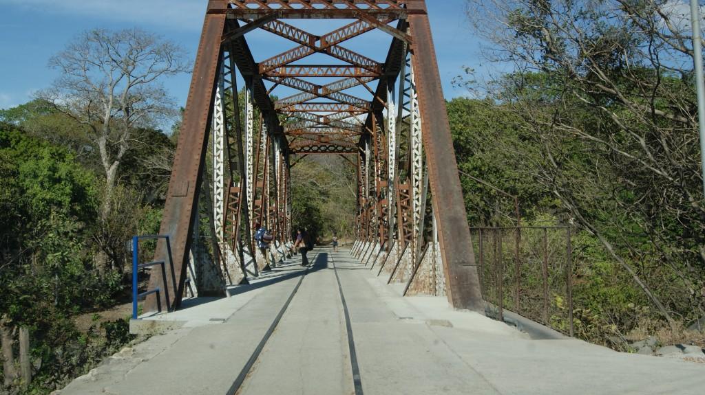 ... sild mida mööda kulges ka autotransport!