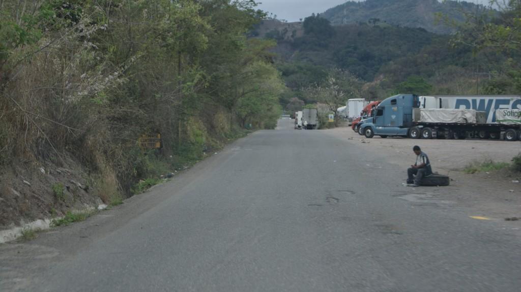 Ühele mehele oli autokumm piiril ainult jäänud!