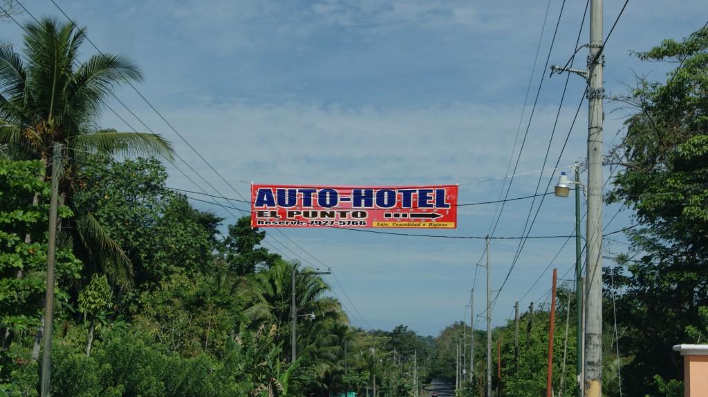 Selliseid hotelle-lõbustusasutusi oli palju tee peal