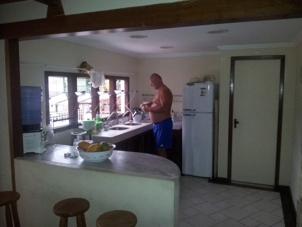 ... Edvin köögis!