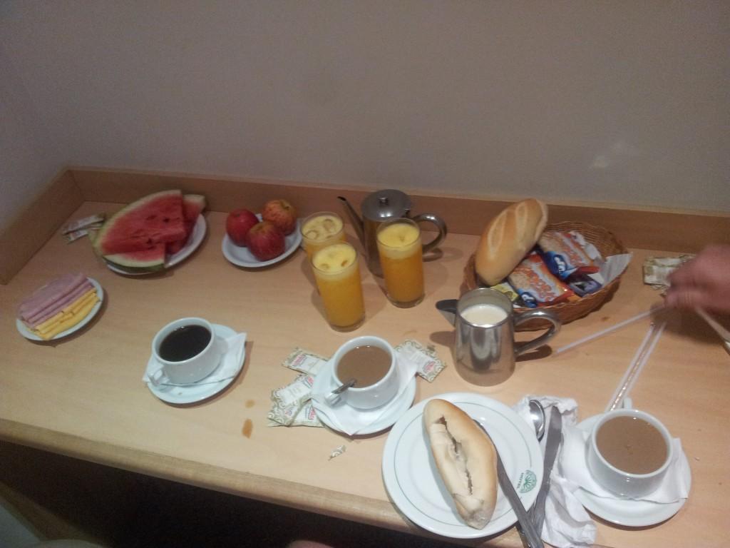 ... hommikusöök mis toodi tuppa!