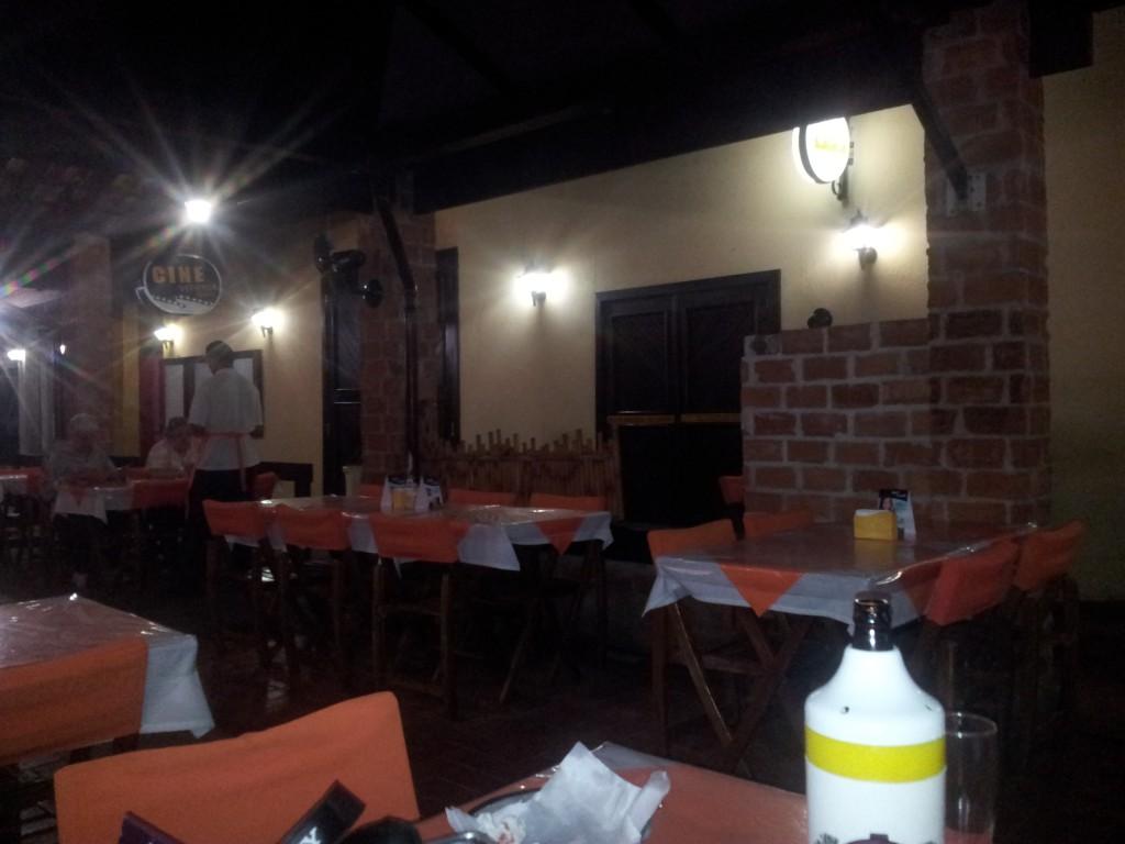 ... õhtusöögi restoran!