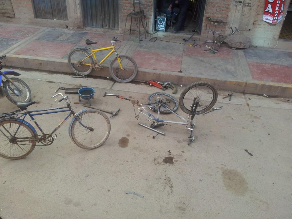 ... jalgrattaremondi töökoda!