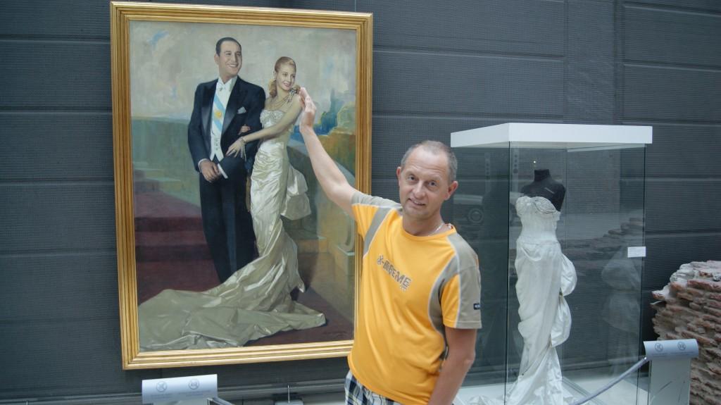 ... Eva Peroni puudutamas!